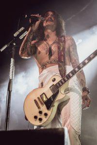 Left Handed Guitars - Justin Hawkins Gibson Les Paul Custom in White