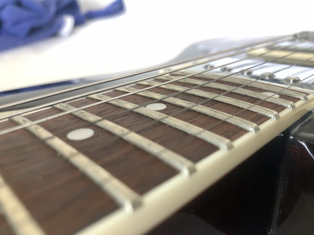 D'addario Fret Polish Kit - Before with Strings on